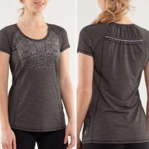 🍋 Lululemon Run: Wild Short Sleeve Tech Gray